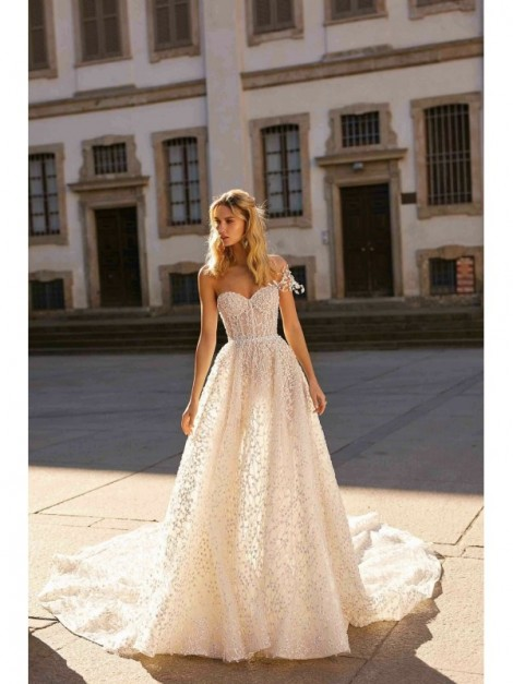 Vestiti Da Sposa Wedding.20 03 Abito Da Sposa Modello 20 03 Berta Bridal Collezione 2020